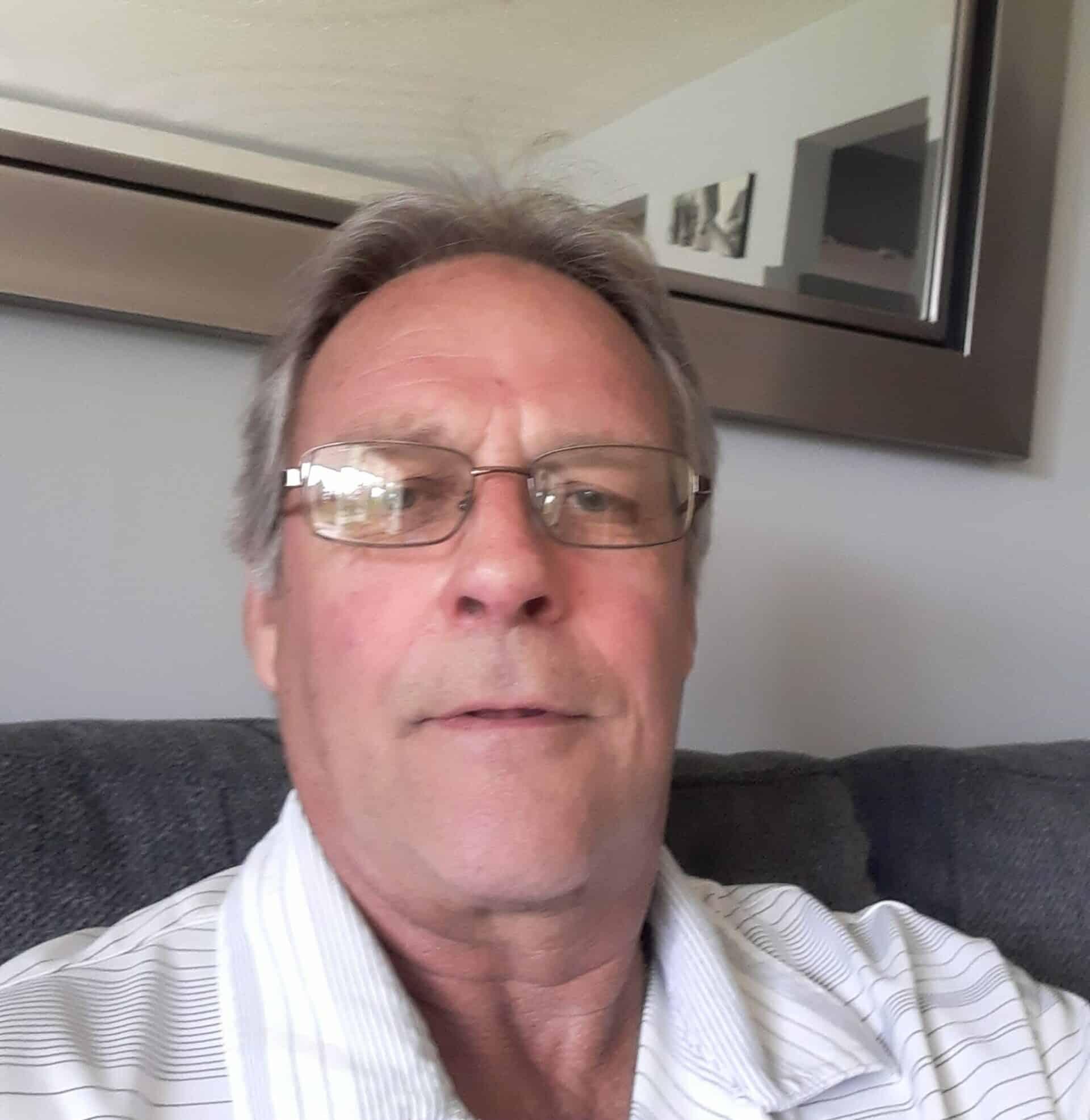 Arron Sanders : Service Shuttle Driver
